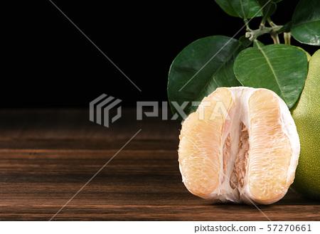 柚子柚子皮去皮柚中秋節柚子柚子柚子 57270661