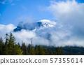 가을 캐나다 로키 산맥 조치 아이스 필드 파크 웨이에서 (캐나다 앨버타 주) 57355614