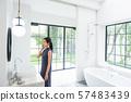 욕실 젊은 여성 57483439