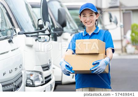 女性司機卡車交付企業圖像 57489841
