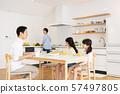 父母和孩子的餐桌家庭形象 57497805