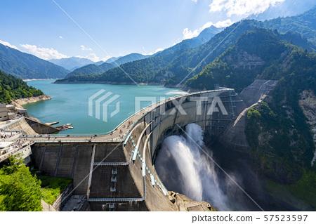 도야마 현 구로베 댐 57523597