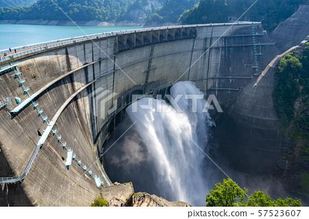 富山县黑部水坝 57523607