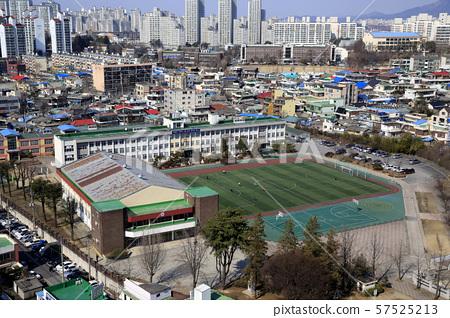 학교 운동장 57525213