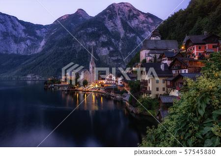 Hallstatt village lake view 57545880