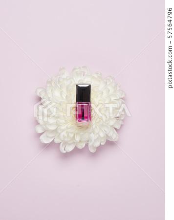 Manicure bottle 57564796