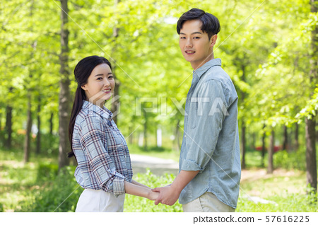 Attractive young couple in love 135 57616225