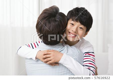 Happy and loving family 002 57616922