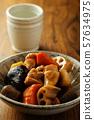 닭고기 요리와 일본 술 57634975