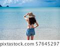 바다와 수영복 여성 남국 비치 리조트 아마미 오시마 57645297