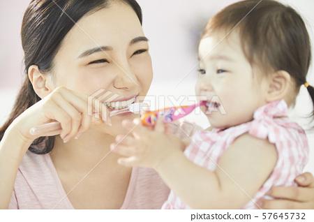 父母和孩子的生活方式 57645732