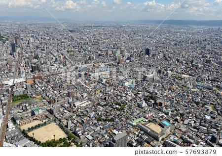 오사카 시내를 공중 촬영 57693879