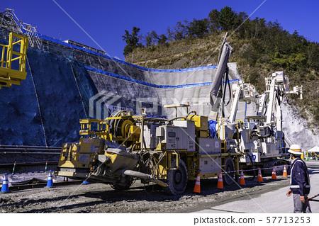 社會研究參觀隧道施工的重隧道混凝土噴塗機 57713253
