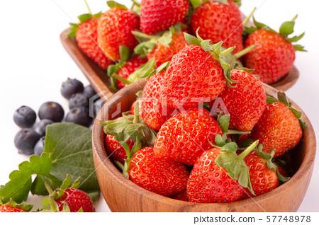 草沙丁魚靛藍水水果樹頭碗脊椎草莓藍莓草莓藍莓 57748978