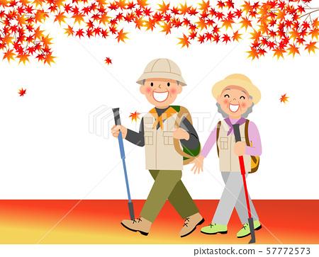 단풍 사냥을하는 노인 부부 57772573