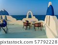 오키나와 이케 마 섬 바다를 바라 보는 호텔의 옥상 57792228