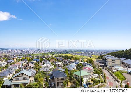 從郊區看的都市風景 57797302
