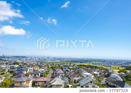 Cityscape seen from the suburbs 57797329