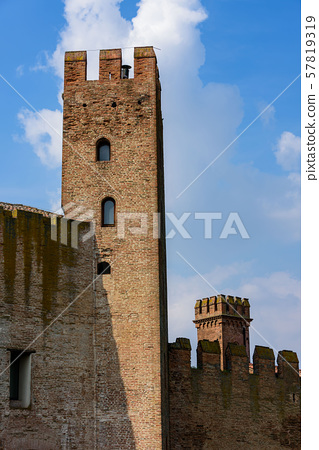 The city walls of Montagnana 57819319