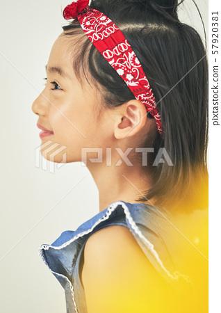 女孩兒童肖像 57920381