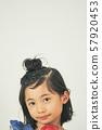 女孩兒童肖像 57920453