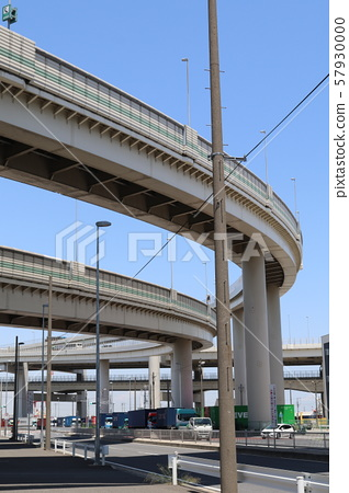 Elevated road 57930000