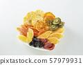 말린 과일 과일 57979931
