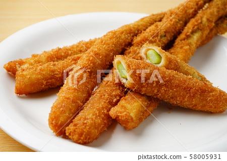 Fried asparagus 58005931