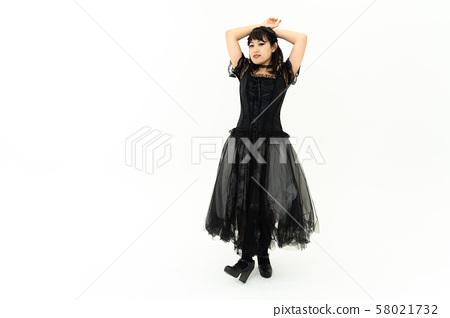 고스 로리 코스프레를하는 여성 58021732