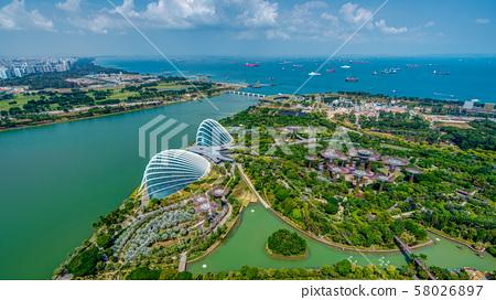濱海灣新加坡花園的全景 58026897