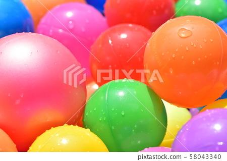 水滴彩球 58043340