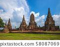Wat Chaiwatthanaram at ayutthaya, thailand 58087069