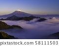 (시즈오카 현) 이즈에서 바라 보는 큰 운해에 떠있는 후지산 58111503