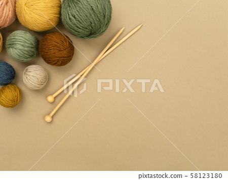 Balls of yarn corner frame. 58123180