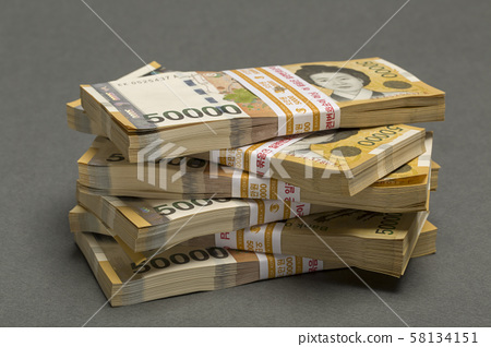 오만원,돈다발,돈뭉치,돈,투자,부동산 58134151