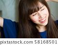휴식 젊은 여성 초상화 58168501