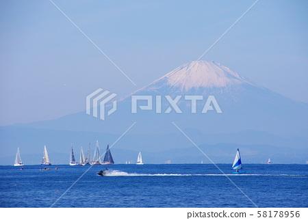 富士山 58178956