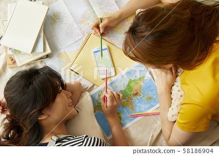 妇女旅行计划 58186904