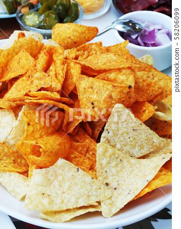 Corn chips  58206099