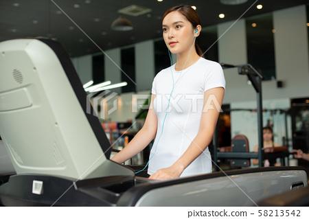 여성 스포츠 건강 58213542