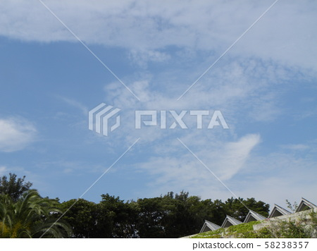 Blue Sky and White Clouds in Autumn 58238357