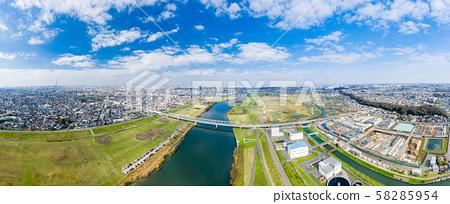 從市川俯瞰江戶川的鳥瞰圖 58285954