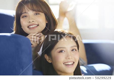 여성 라이프 스타일 친구 58299229