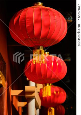 Chinese traditional lanterns 58347087