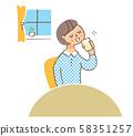 술을 마시는 여성 58351257