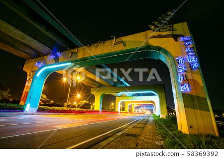 대만 가오슝 브리지 헤드 레인보우 브릿지 아시아 대만 가오슝 레인보우 브릿지 58369392