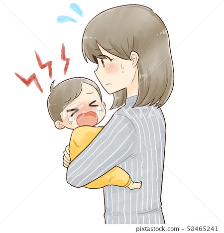 우는 아기를 달래는 엄마 58465241