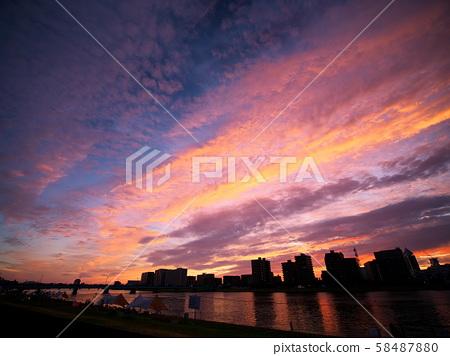 新潟的夜景 58487880