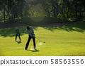 打高尔夫球 58563556