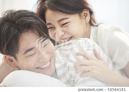 Lifestyle couple 58564181